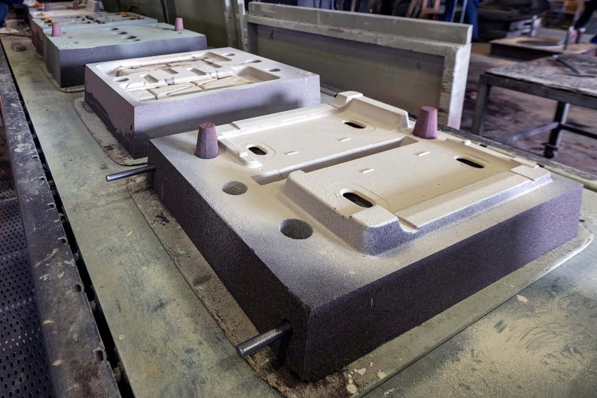 CHEMICALLY BONDED SAND MOULDING